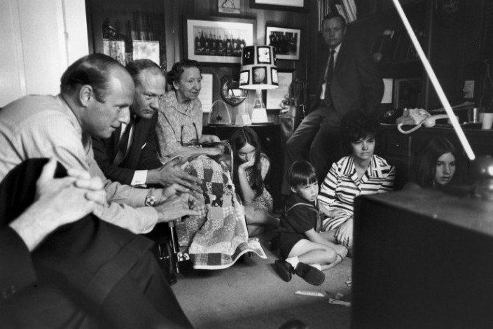 Как ждали на земле возвращения Apollo 13