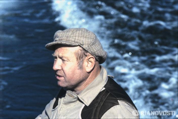 Летчик-космонавт СССР Алексей Леонов на охоте