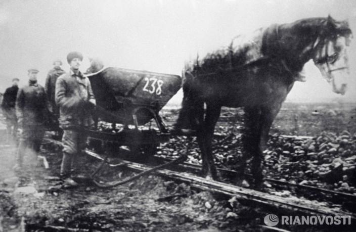 Перевозка груза на строительстве Волховской ГЭС