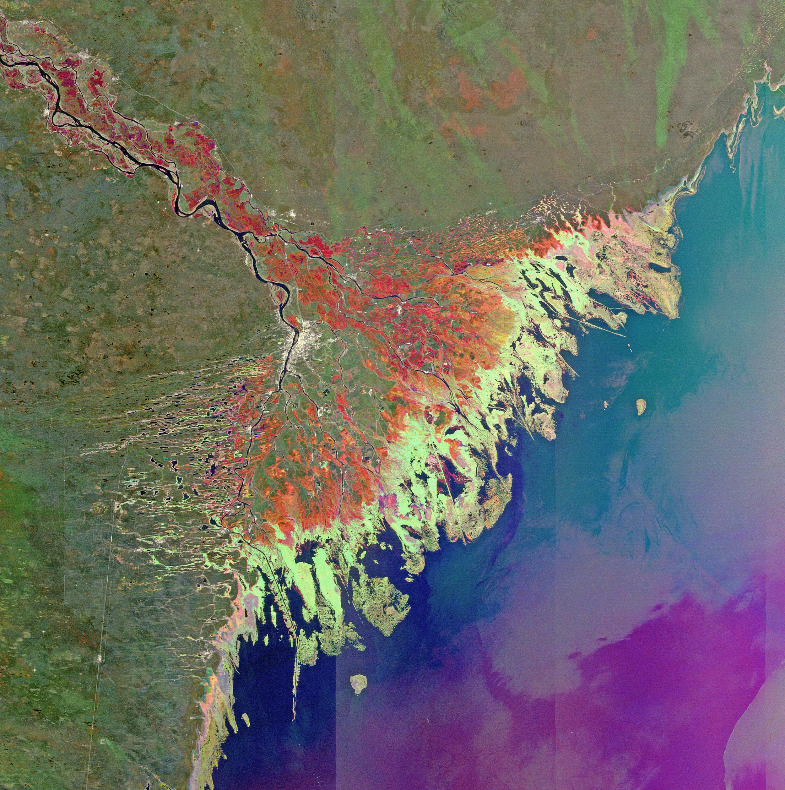 20 лучших фотографий России из космоса (metkere.com) Река Волга Зимой